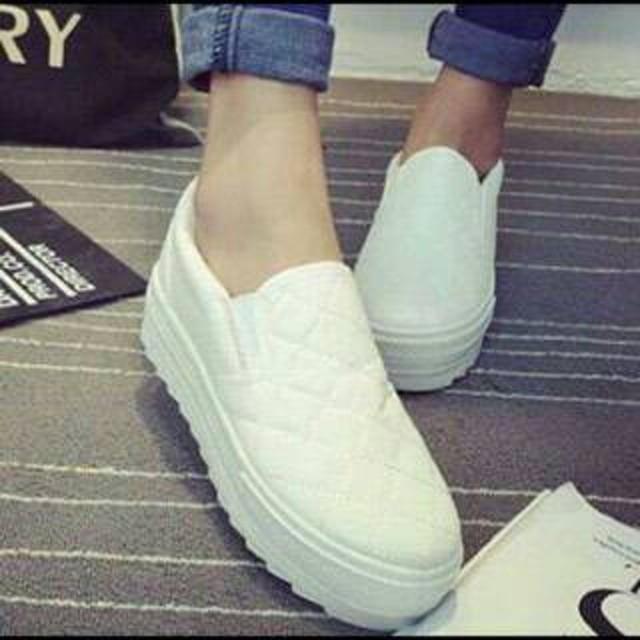 Sepatu Kets Wanita Putih - Daftar Harga Terbaru Indonesia Terlengkap f37ab4c8d3