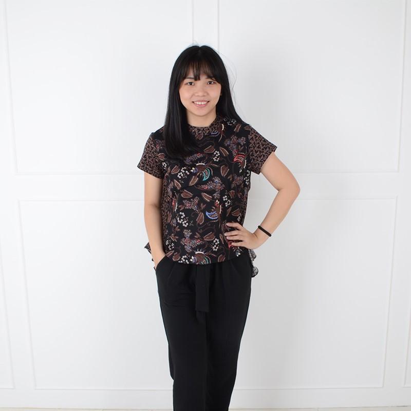 De Voile Atasan Batik Wanita Nafa Tail Top (Black) a8b22d561d