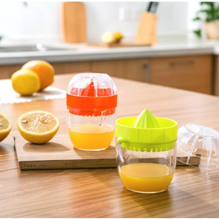 廚房用品【KFS036】每日健康水果迷你榨汁器 廚房用品 烹飪用品 削水果 水果機 榨果汁 收納女王