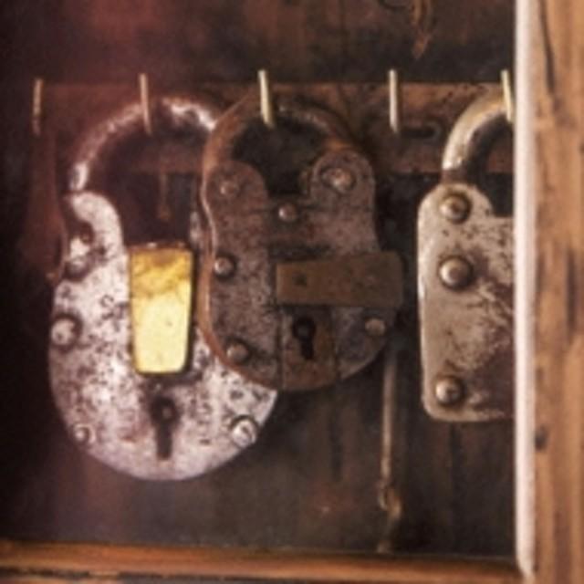 PAUSA/Open Your Door