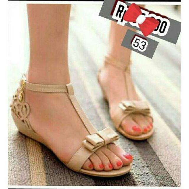 ... Sandal Kepang Hitam. Source · KAISAR- Sepatu Wanita Flat Shoes Laser Cream