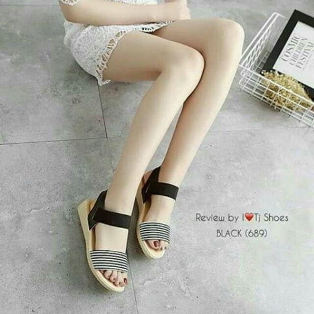 KAISAR- Sepatu Wanita Sandal Flat Shoes Salur Hitam