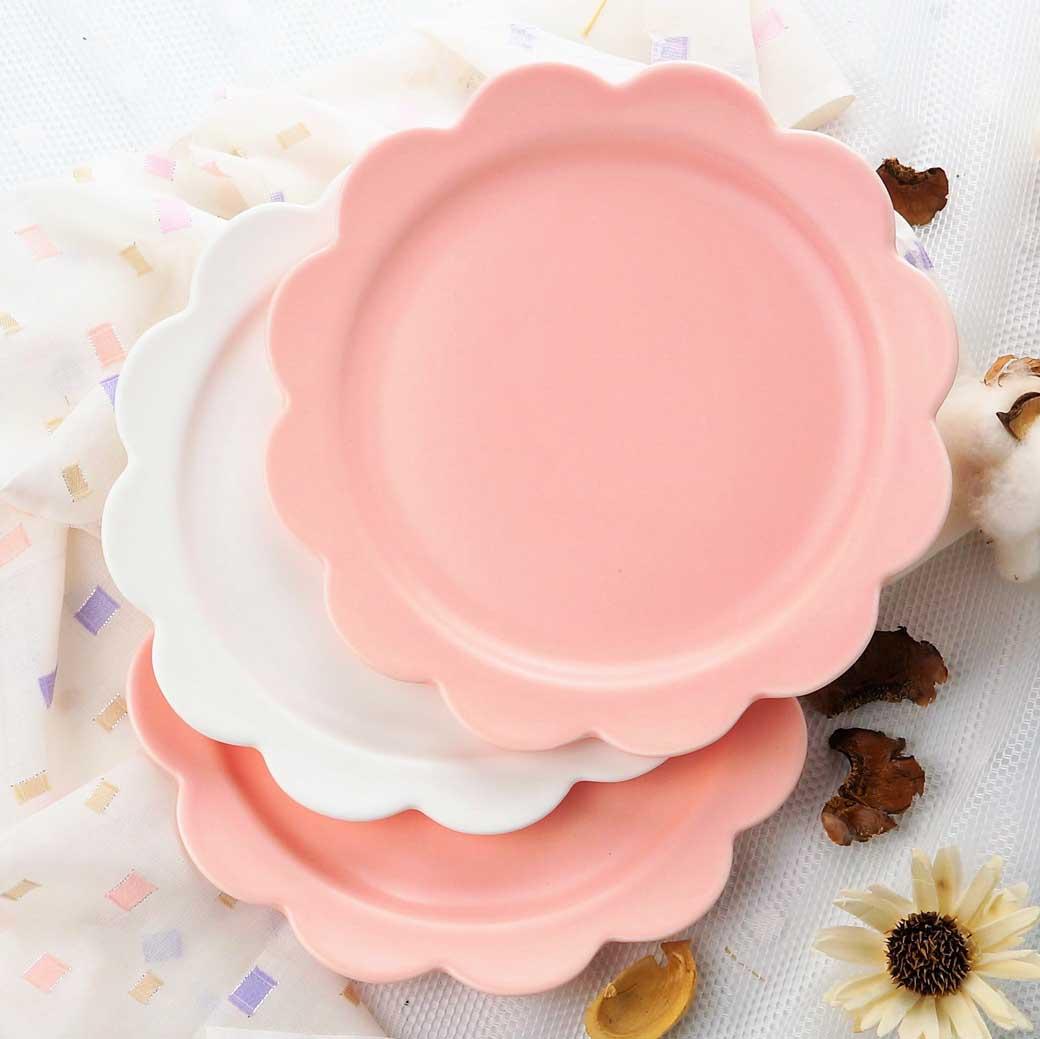 現貨出清【Caldo卡朵生活】北歐清新單色釉花漾8吋陶瓷餐盤