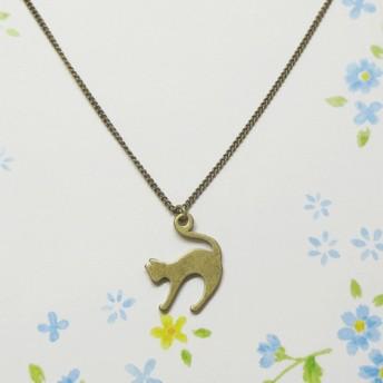 猫さんのシルエットのネックレス(金古美)