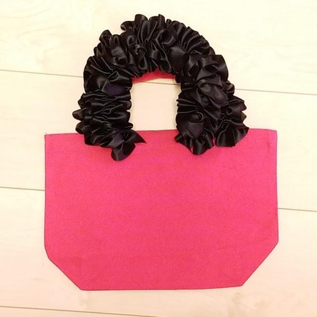 Sサイズ黒×ピンクハンドメイド リボントートバッグ フリルトートバッグサブバッグランチトートレッスン通勤ハンドバッグ