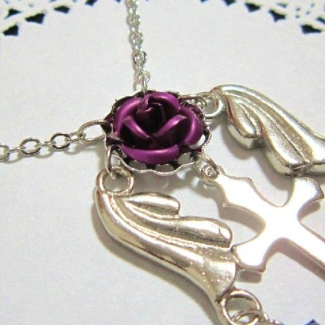 薔薇と十字架の天使ネックレス 紫薔薇(パープルローズ)