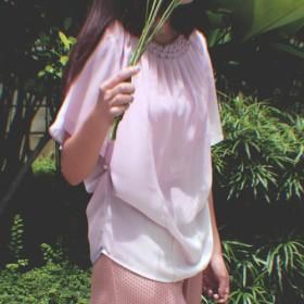 ファンタジーピンクのシャツ 緻密な手作業