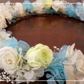 プリザーブドフラワーバラとアジサイの花冠(水色)