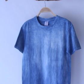 快適な手染め藍染純粋isvaraの時系列は、綿のTシャツをトレース