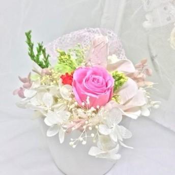 送料無料 母の日 バラとバラのつぼみと花びらのスィートアレンジ