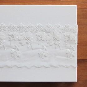 刺繍レースメッシュ - 白い花のチャーター2009