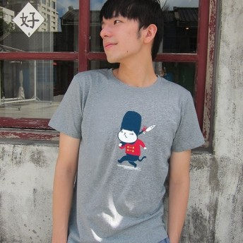 イギリスの兵士ニャー - ニュートラルTシャツ