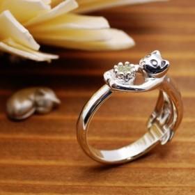 猫の贈り物/8月の誕生石 ペリドット シルバーリング