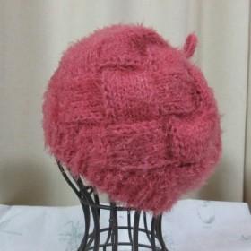 網代編み珊瑚色ふわもこニットベレー帽