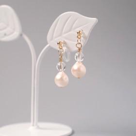 4月☆ひとつぶ・あこや真珠と誕生石のノンホールピアス・・・(水晶)