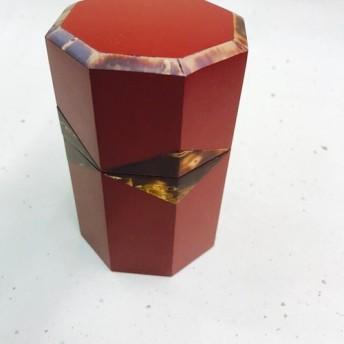 八角形 桜の茶筒 漆仕上げ(赤)