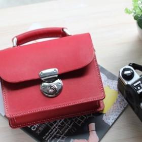 江川[手]ミニハンドルを運ぶ小さな正方形のパッケージ+(赤)バックルイタリアンベジタブルなめしレザー