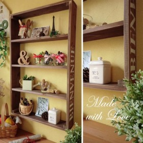 縦型【木箱のウォールシェルフ】アンティーク風 飾り棚