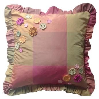 花モチーフとチェックのクッションカバー:クスママーラ(ピンクグリーン)