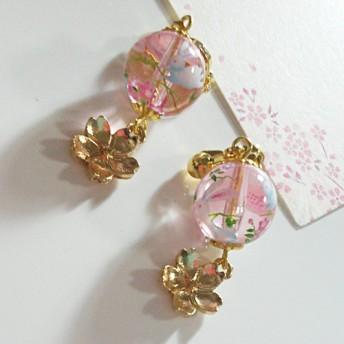 sousouうさぎ跳ねる桜色イヤリング 桜色ピンク