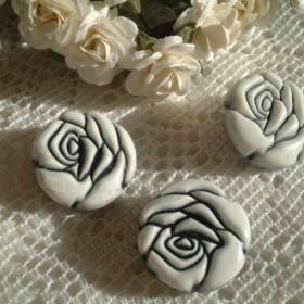 KB8215mm8個白黒薔薇のボタン
