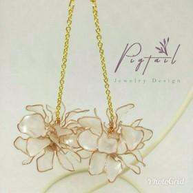 吊るす花の玉 秋と冬のモデル 白雪姫