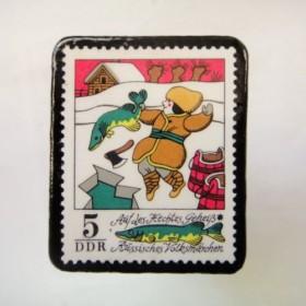 ドイツ 童話切手ブローチ 979