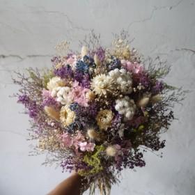 パープル、愛深く、紫。乾燥のバレンタインの誕生日の花束