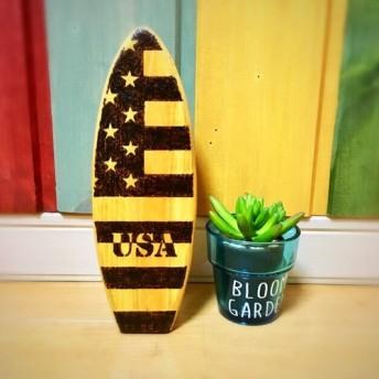 ★サーフボード木製置物(国旗黒)