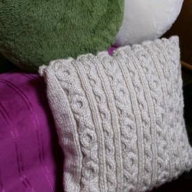 アラン編み ニットクッション