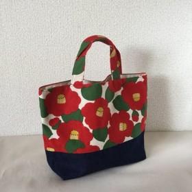 赤い椿×デニムのトートバッグ