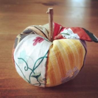 リンゴの針刺し-J