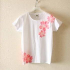 レディース 舞桜柄Tシャツ 手描きで描いた和風の桜の花柄Tシャツ 桜色