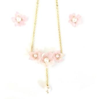 透明なピンクの手作りのジュエリーセットネックレスと真珠のイヤリングプラス綿の装飾