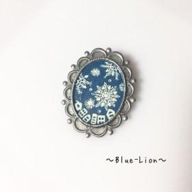 「再販」手描きブローチ(冬)☆雪の結晶☆