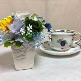 白いバラとブルーのアジサイ/プリザーブドフラワーアレンジメント