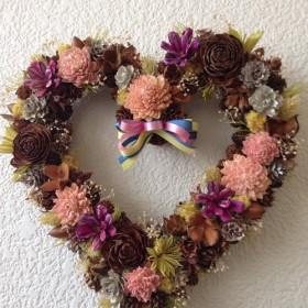 burosye gebinde 自然の木の実と花のハートリース 25