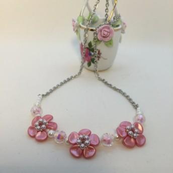 【送料無料 定形外郵便】ピンクのお花のミニヨン・ネックレス