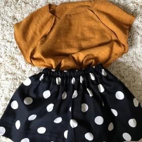 大きな水玉のスカート