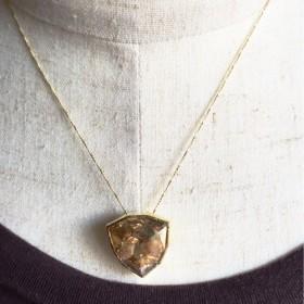 ゴールドシャドースワロのネックレス