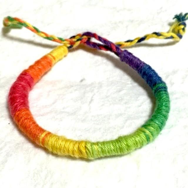 虹色ミサンガ 巻タイプ3