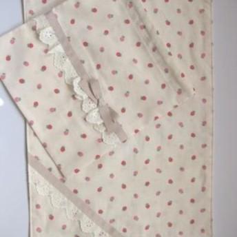 ランチョンマット+巾着セット イチゴ柄×アイボリー