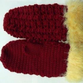 ★送料無料★フワフワ口の赤の鉤針編みミトン