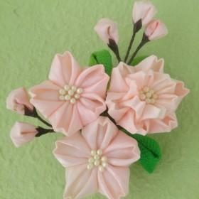 桜さくら 正絹つまみ細工コサージュ・髪飾り (卒業式・入学式・七五三)