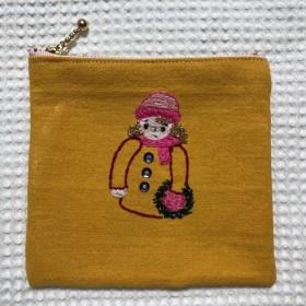 刺繍のファスナーポーチ☆クリスマス