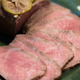 杉本食肉産業 黒毛和牛柚子香漬けローストビーフ