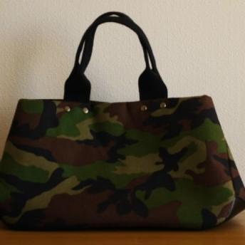 ★再販★コーデュラナイロンのトートバッグ(迷彩) M