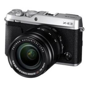 富士フイルム ミラーレス一眼カメラ「FUJIFILM X-E3」ズームレンズキット(シルバー) FX-E3LKS 返品種別A