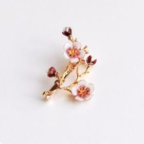 梅(桃園)の小枝のブローチ