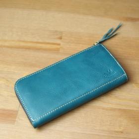 使いやすさと収納力を両立したL型長財布 / titLe -turquoiseblue-